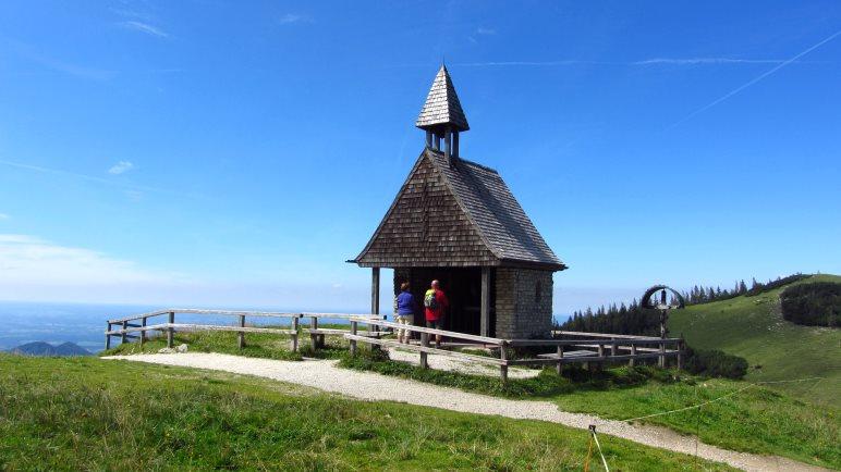 Die kleine Kapelle neben der Steinlingalm
