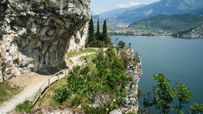 Die alte Ponalestraße vom Ledrotal nach Riva del Garda