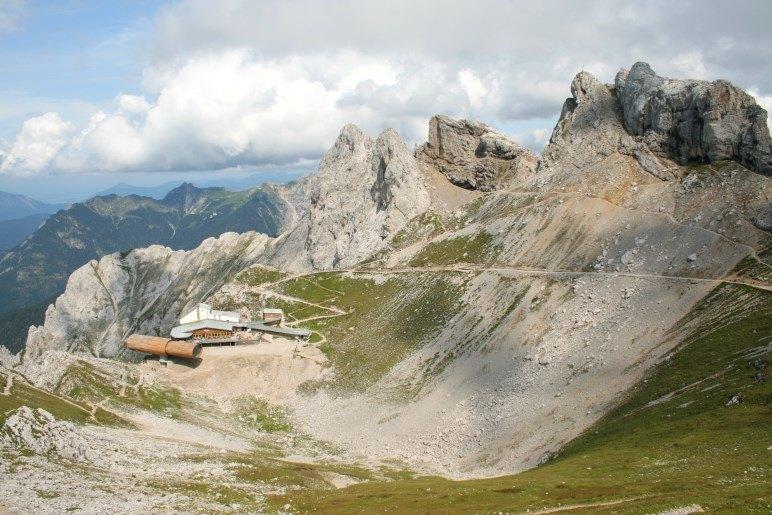 Karwendelgrube und Bergstation der Karwendelbahn