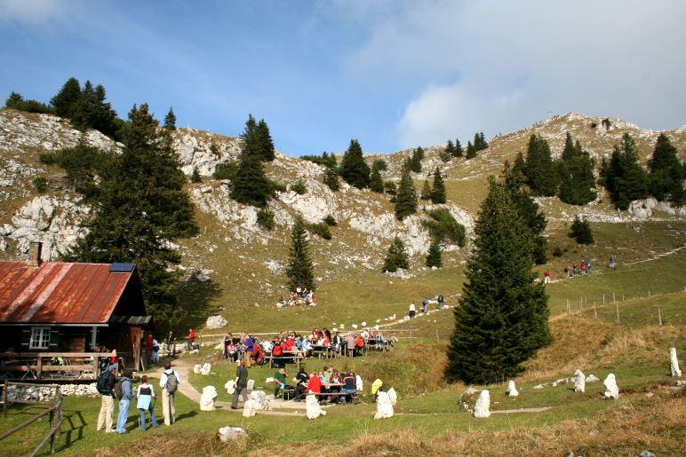 Die Hubertushütte unterhalb des Breitenstein-Gipfels