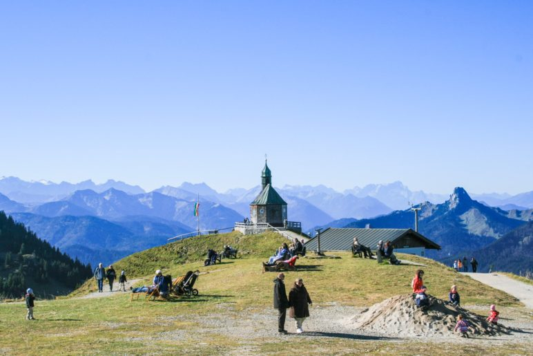 Nur wenige Meter neben der Bergstation der Wallbergbahn steht die Kapellt