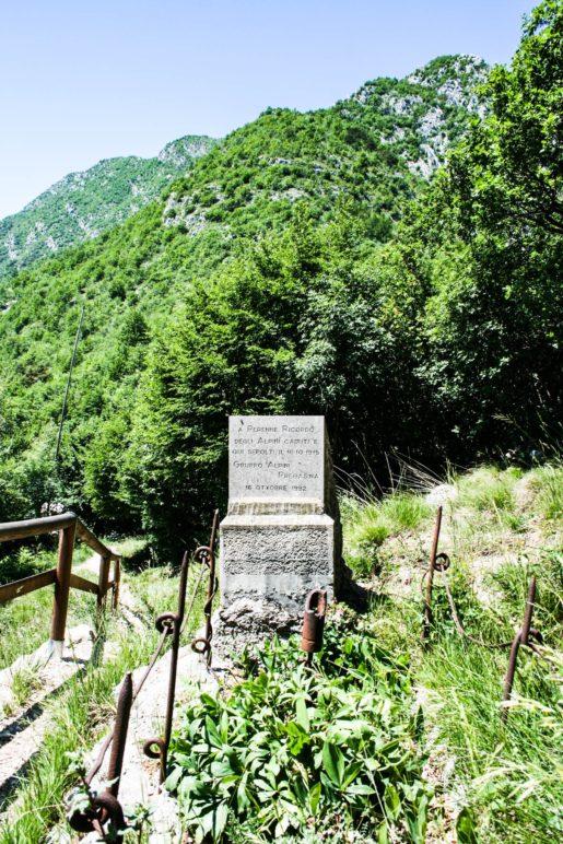 Das Kriegerdenkmal an der Bocca di Lé