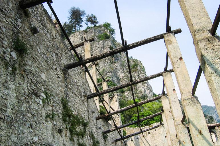 Die Dachkonstruktion der Limonaia, auf der im Winter die Fenster lagen