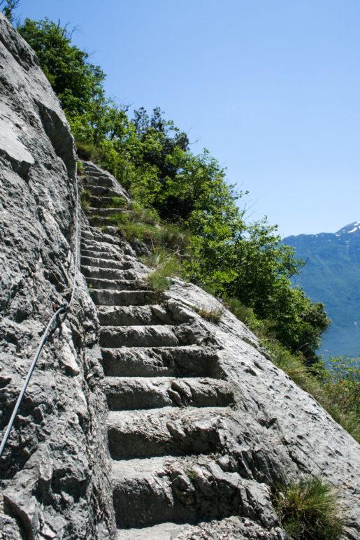 Hier geht's rauf und steil runter - die Santa Scala Treppe zum Gipfel