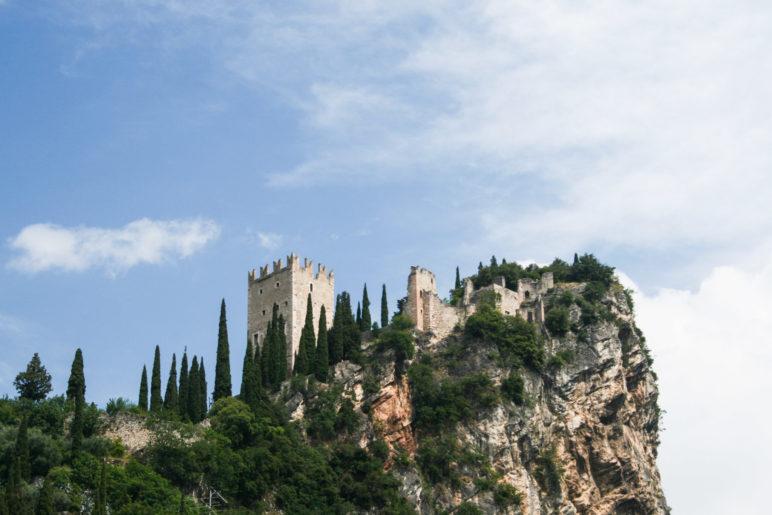 Die Burg Arco von Arco aus gesehen