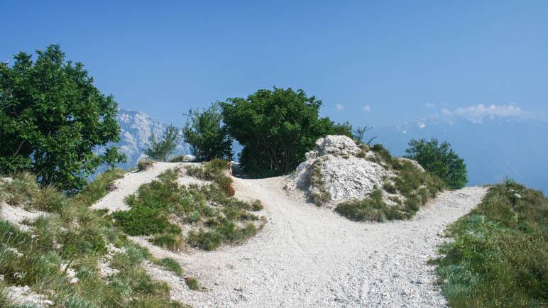 Die Punta Larici hoch über dem Gardasee