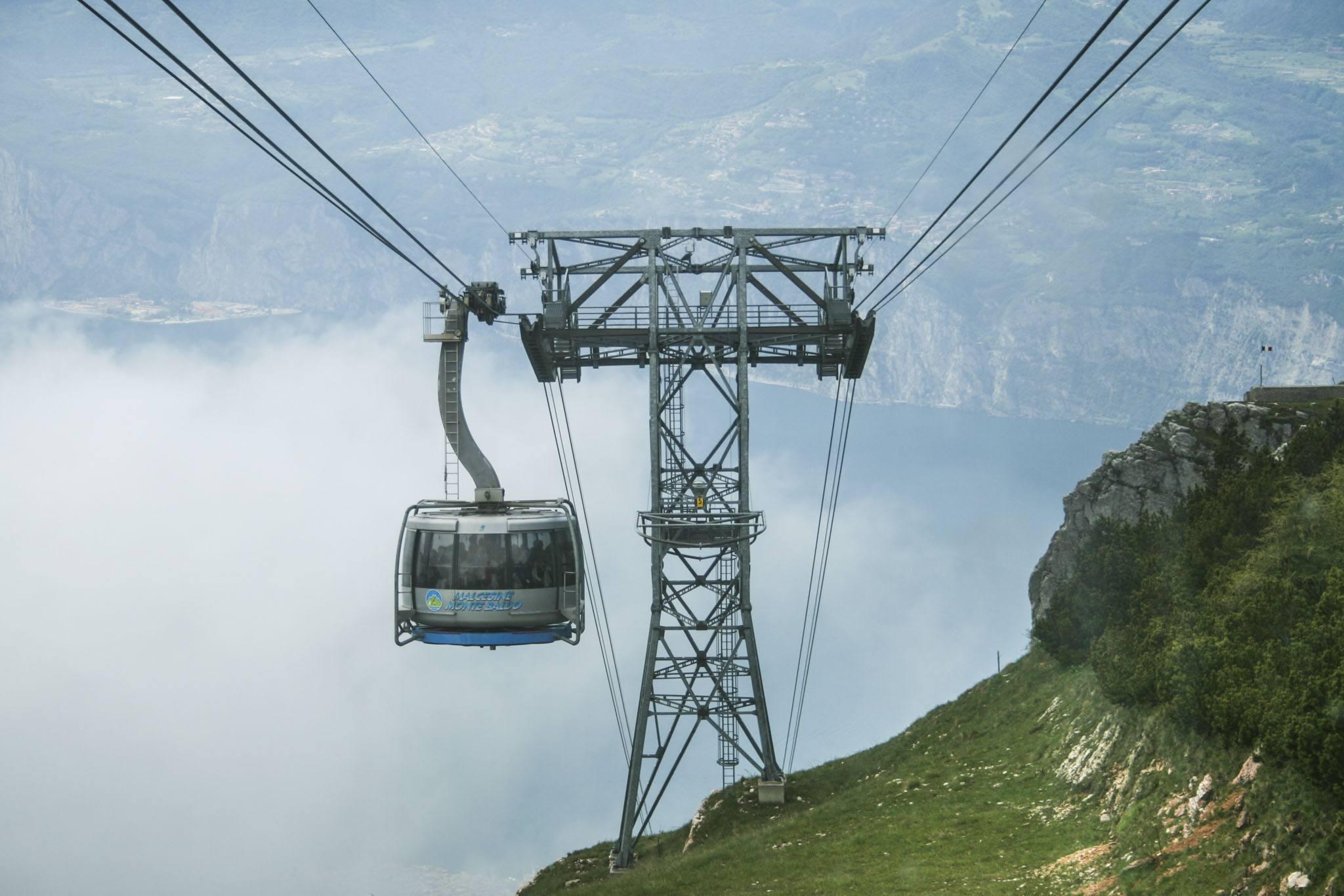 Monte Baldo Seilbahn kurz vor der Bergstation