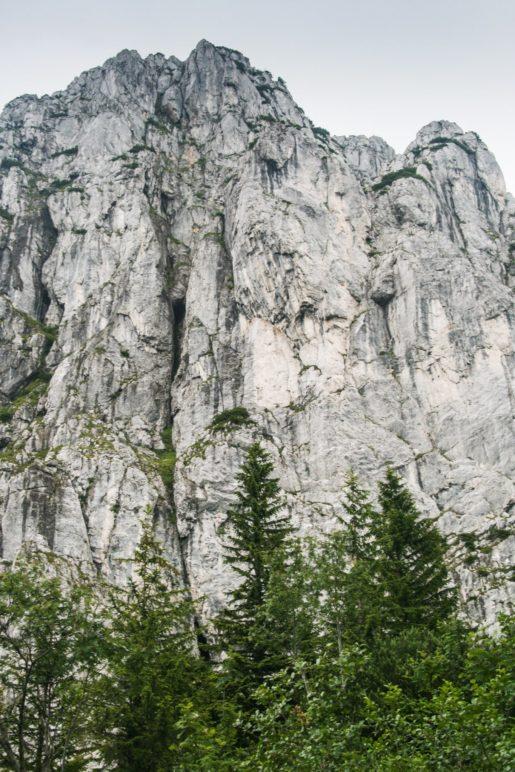 Sieht gefährlich aus, aber wir laufen drum herum: Die Wendelstein-Steilwand