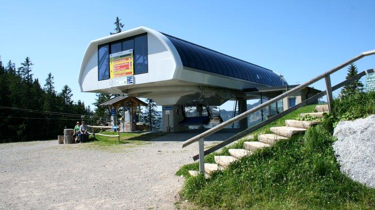 Bergstation der Suttenbahn. Die der Stümpflingbahn sieht gegenüber genauso aus