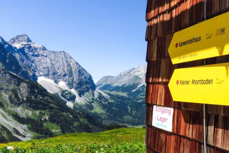 Nach Westen führt der Falkenweg weiter zum Karwendelhaus