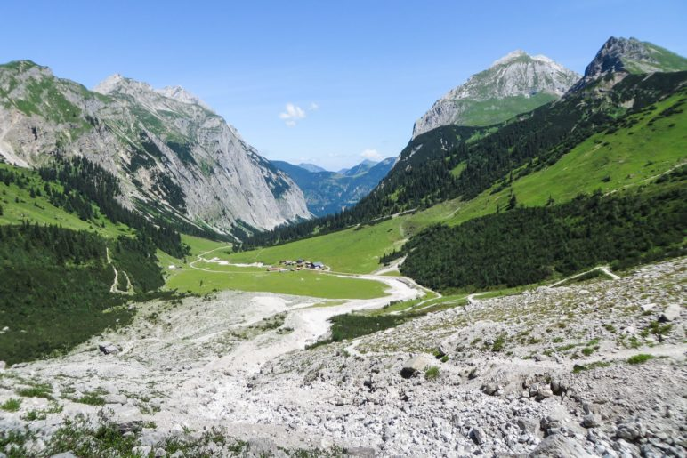 Ein Blick ins Laliderertal mit der Lalidereralm-Niederleger