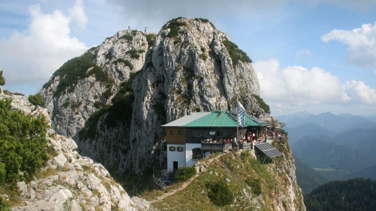 Die Tegernseer Hütte vor dem Buchstein