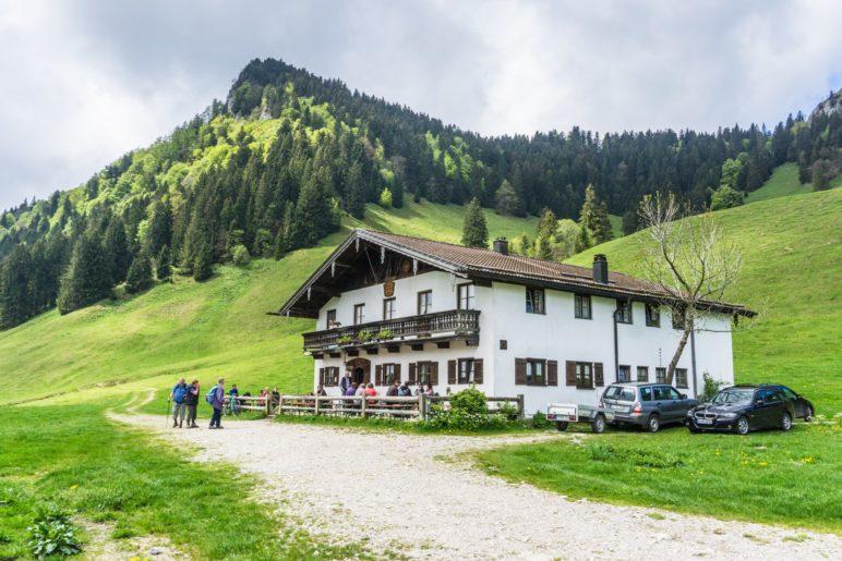 Die Lagler-Hütte auf der Daffnerwaldalm, unterhalb des Heubergs