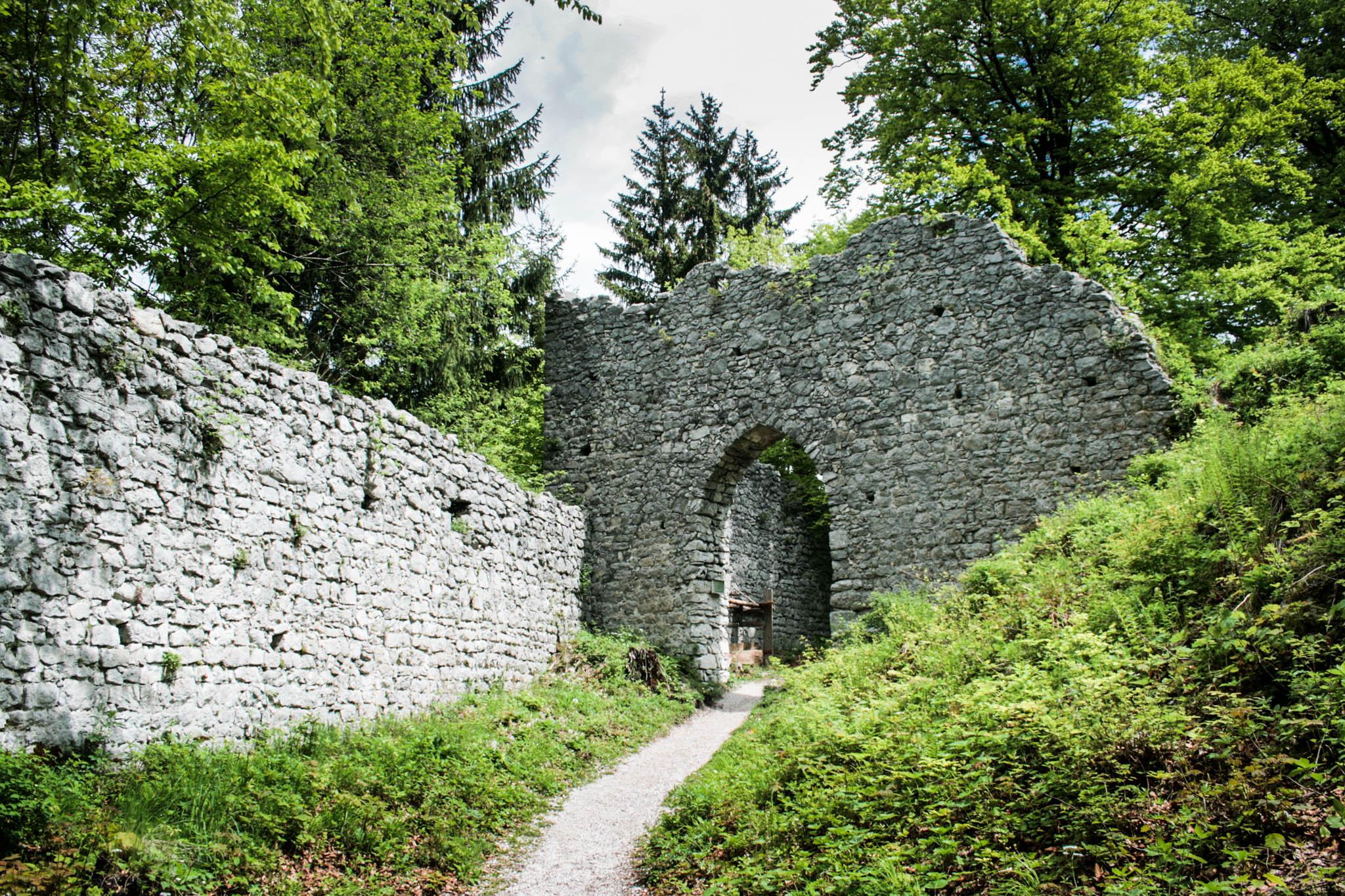 Auf dem Weg zwischen der Werdenfelser Hütte und der Burg