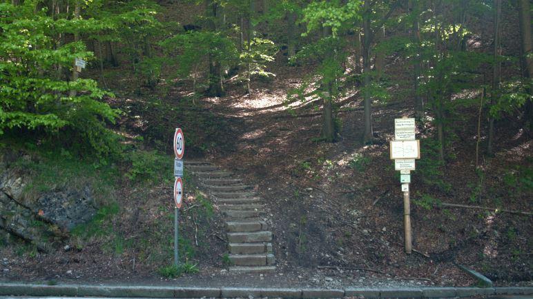 Hier beginnt die Wanderung: Einstieg am Kesselberg