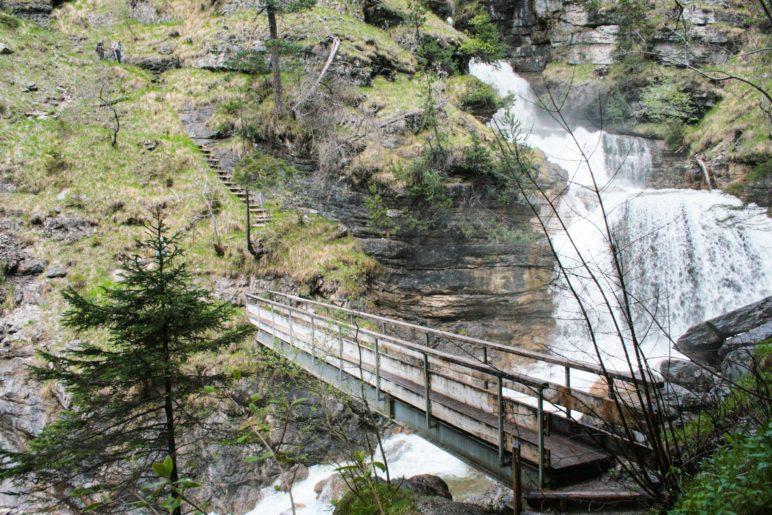 Die Brücke über die Kuhfluchtfälle