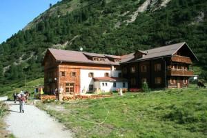 Das Gasthaus Alpenrose im Zemmgrund im Zillertal