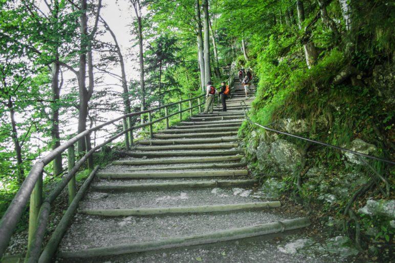 Vor dem Kaisertal warten die Treppenstufen des Kaiseraufstiegs