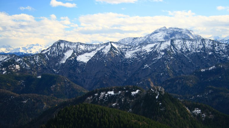 Aussicht vom Hirschberg Gipfel auf die Alpen