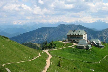 Das Rotwandhaus unterhalb des Rotwand-Gipfels