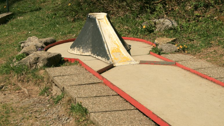 Minigolf - für Spaßspiele reicht die alte Neuner-Bahn aus