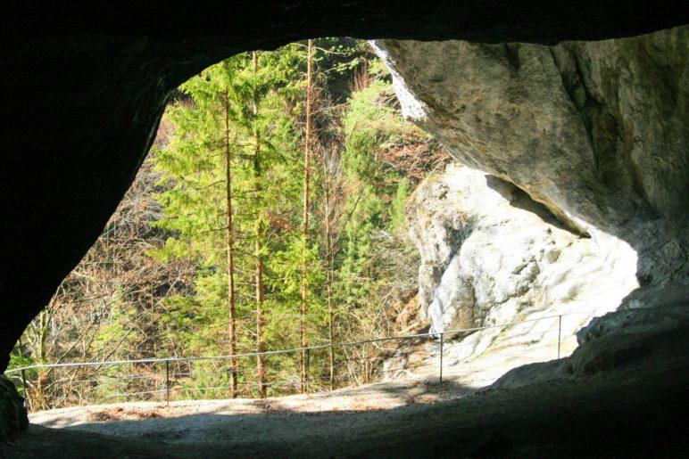 In der Tischofer Höhle