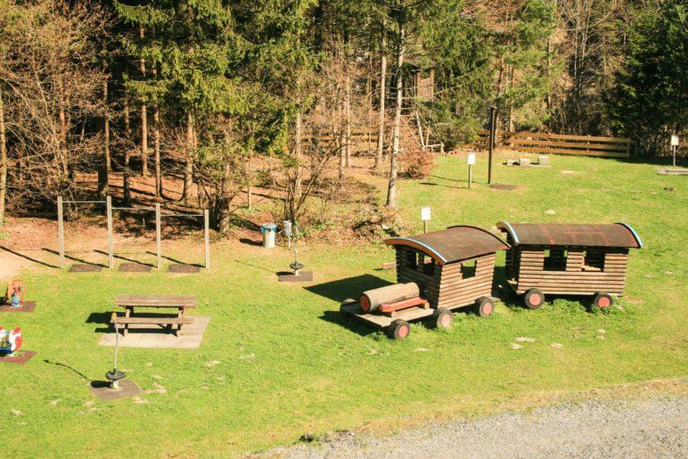 Auf dem schön angelegten Waldspielplatz Kufstein