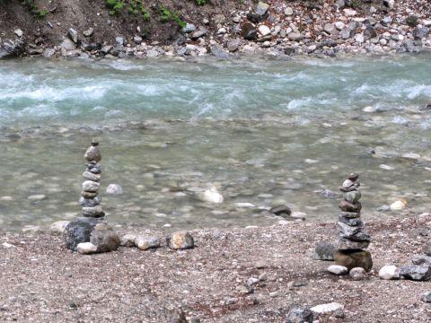 Steinmandl an der Partnach, kurz vor dem Klammeingang