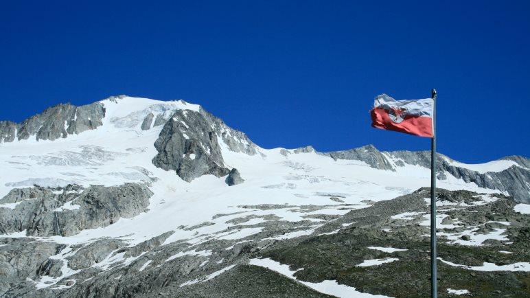 Hochsommerliches Wetter auf 2295 Metern: Am Furtschaglhaus in Tirol