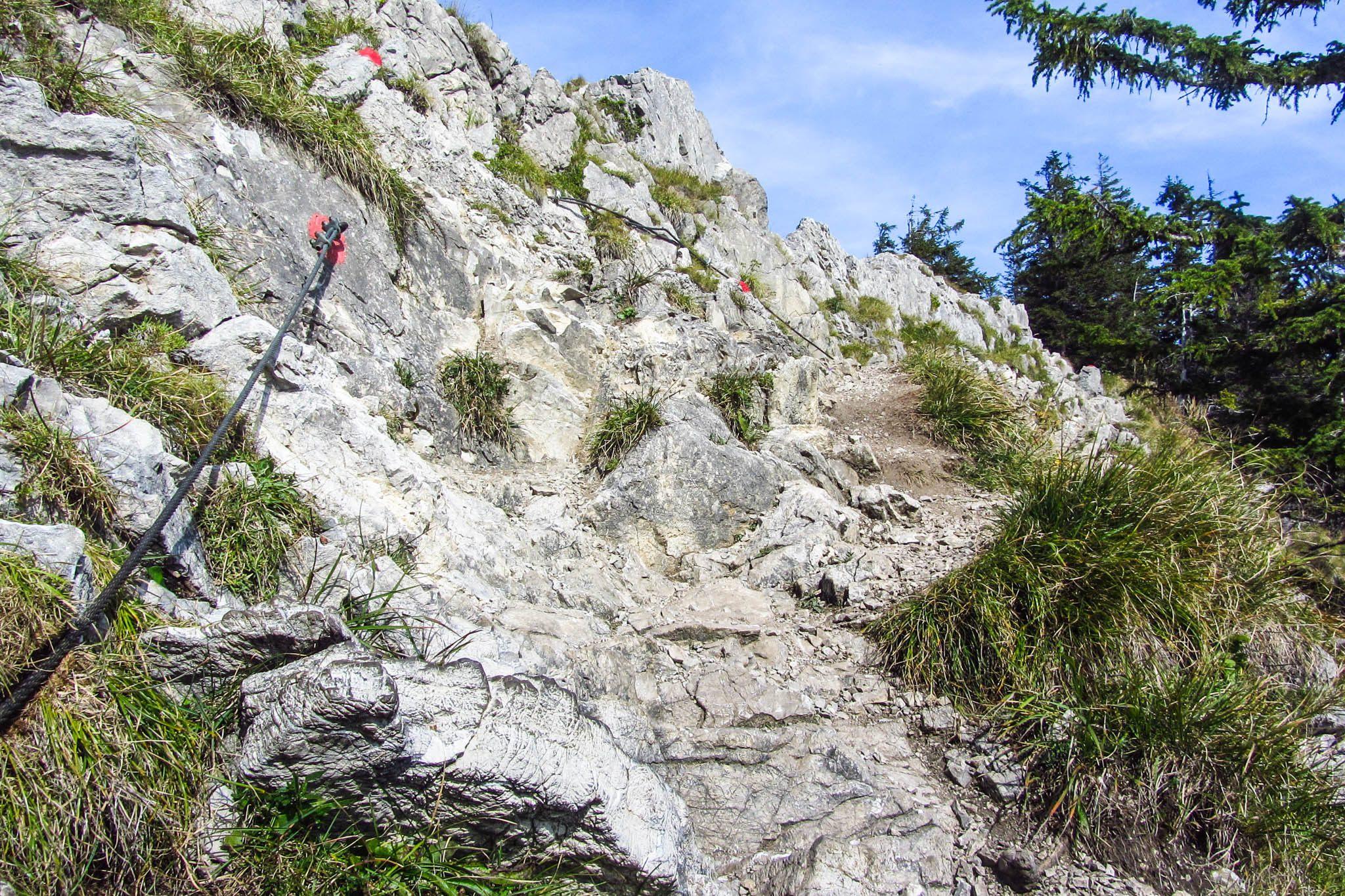 Ungewöhnliche Felsen am Brecherspitz-Gratweg