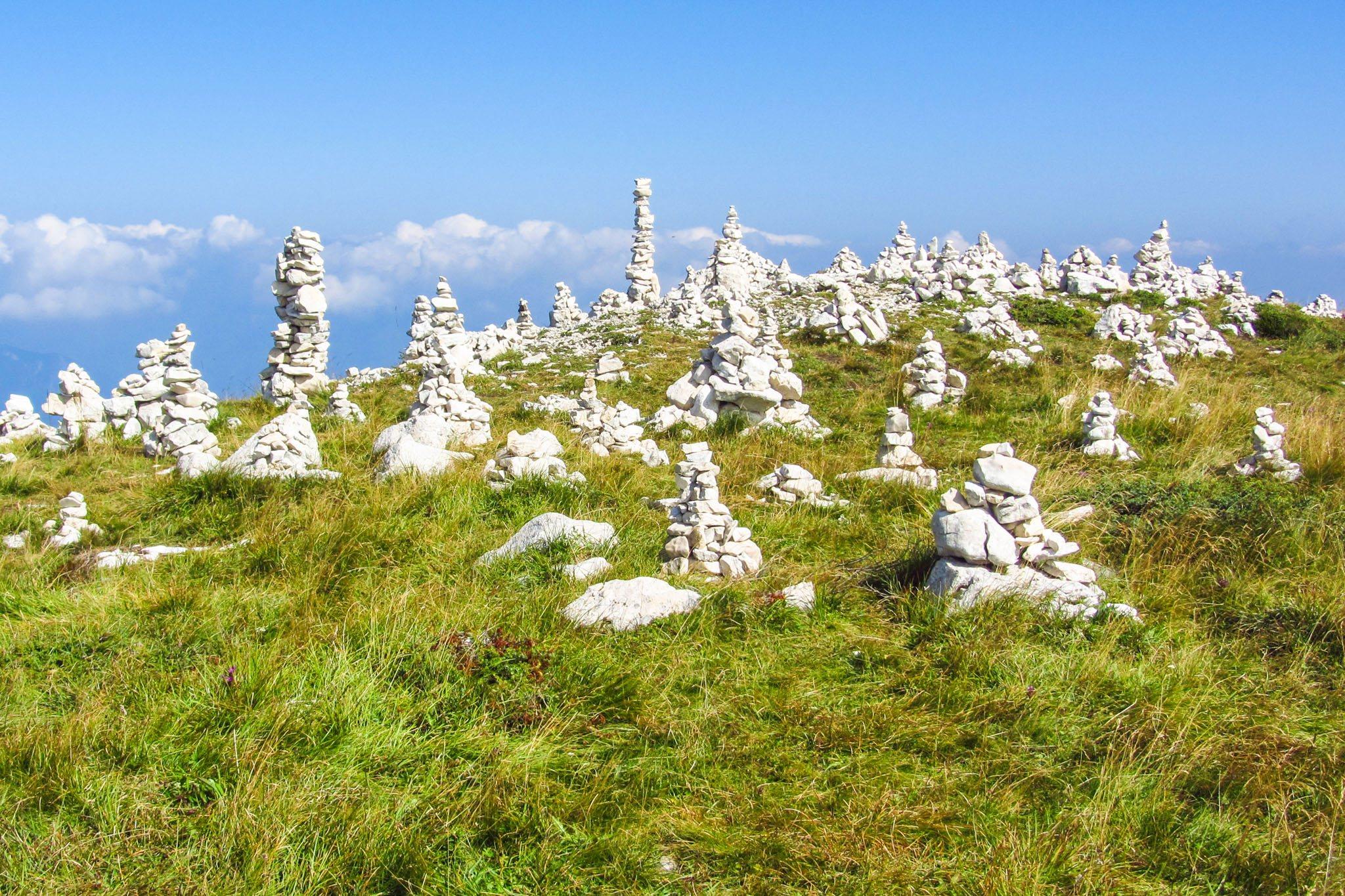 Die Steinmännchen auf dem Weg zur Cima Pozzette
