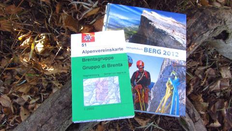 """Bonus für DAV-Mitglieder: Dem Buch liegt die Alpenvereinskarte 51 """"Brenta-Gruppe"""" bei"""