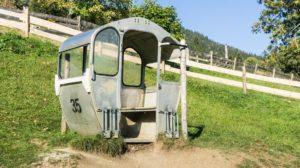 Gondel auf dem Spielplatz vom Siglhof oberhalb von Bayrischzell