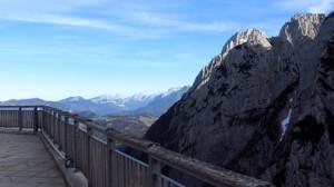 Blick auf die Loferer Steinberge von der Terrasse des Stripsenjochhauses