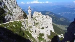 Eine kleine Felsspitze am Monte Baldo Wanderweg