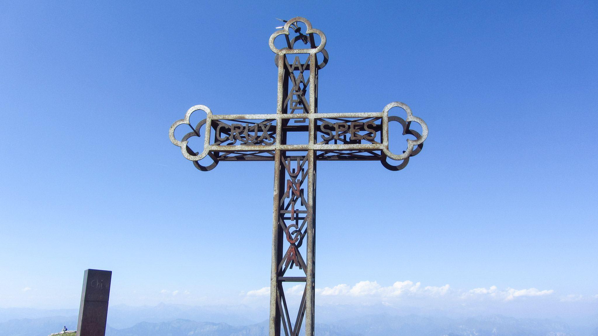 Das Gipfelkreuz der Cima Telegrafo