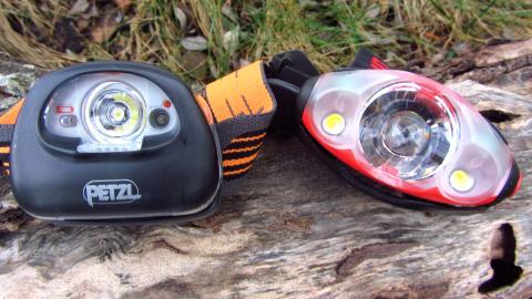 Zwei ganz unterschiedliche Stirnlampen: Die Petzl Tikka2 XP und die Mammut Lucido TX1