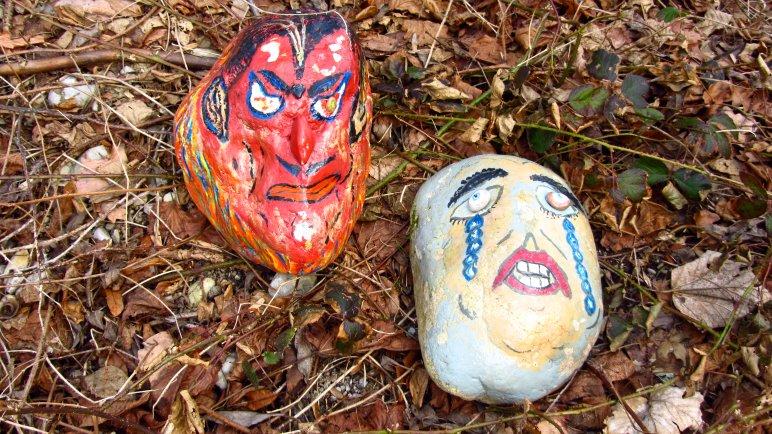Kunst am Berg - Die beiden Steine lagen am Wegrand