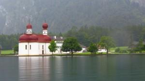 Die berühmte Kirche St. Bartholomä am Königssee