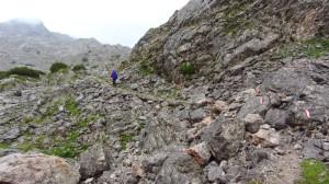 Ein steinerner Wanderpfad