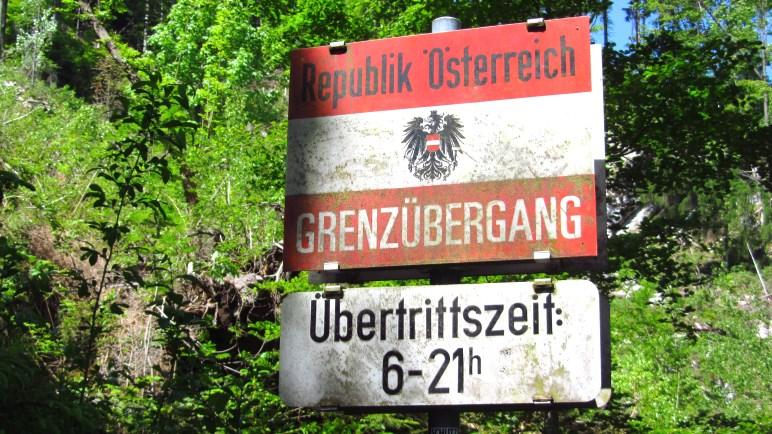 Grenzübergang nach Österreich - Ist der Kinderreisepass dabei?