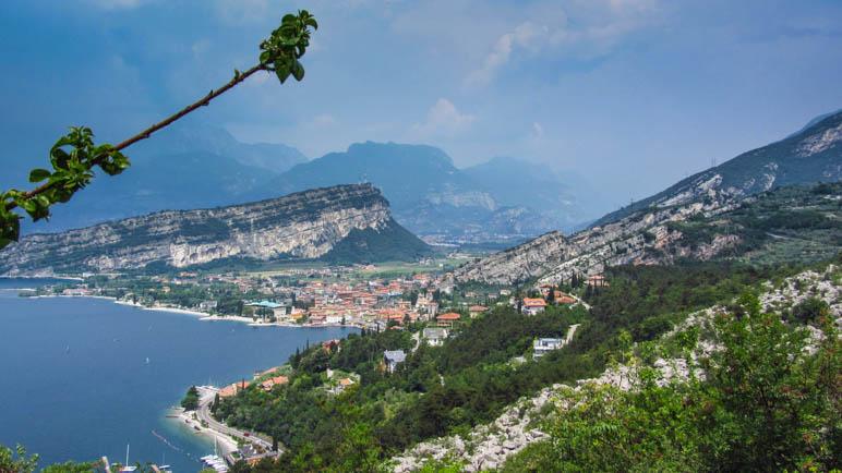 Torbole und der Monte Brione