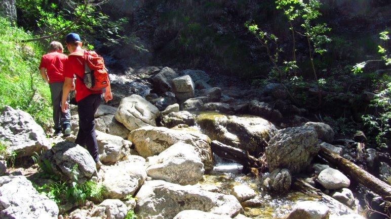 … Bachquerung ohne Brücke