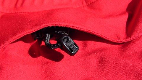 Kapuzenverstellung der Snaefell Jacke