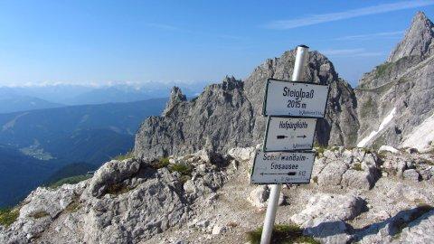 Der Steiglpass - trennt Nord- und Südseite des Gosaukamms und Salzburg und Oberösterreich