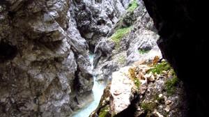 Wasser und Fels in der Höllentalklamm.