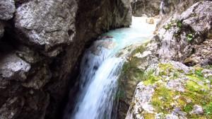 Einer der Wasserfälle in der Klamm.