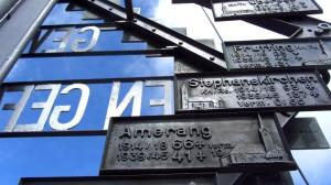 Gedenktafeln am Kampenwand-Gipfelkreuz