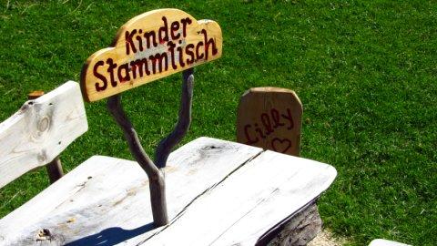 Sehr nett: Der Kinder-Stammtisch auf der Kranzhorn-Alm
