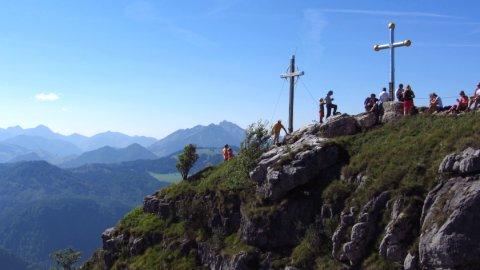 Der Gipfel des Kranzhorns mit den zwei Gipfelkreuzen